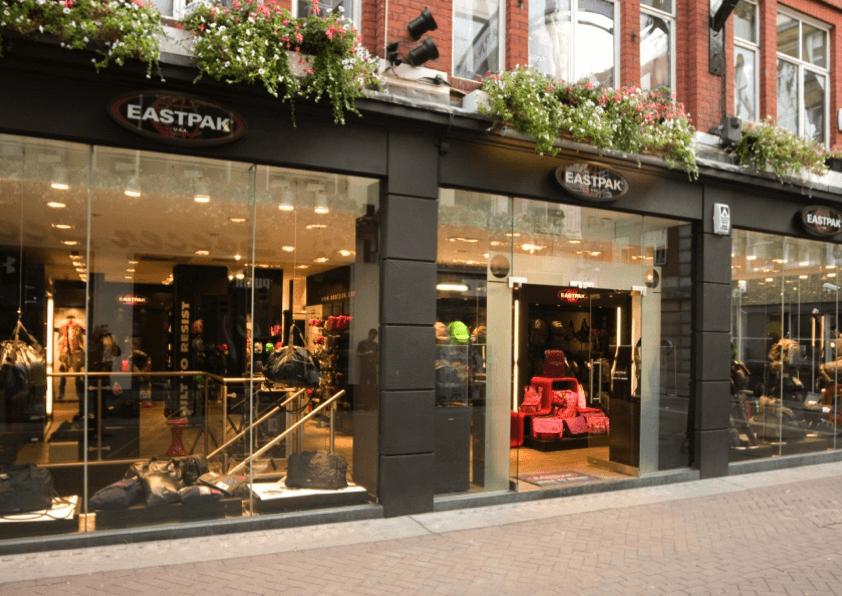 Storefront design Eastpak Carnaby Street